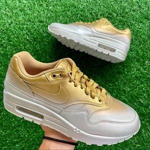 Nike Air Max 1 Lx